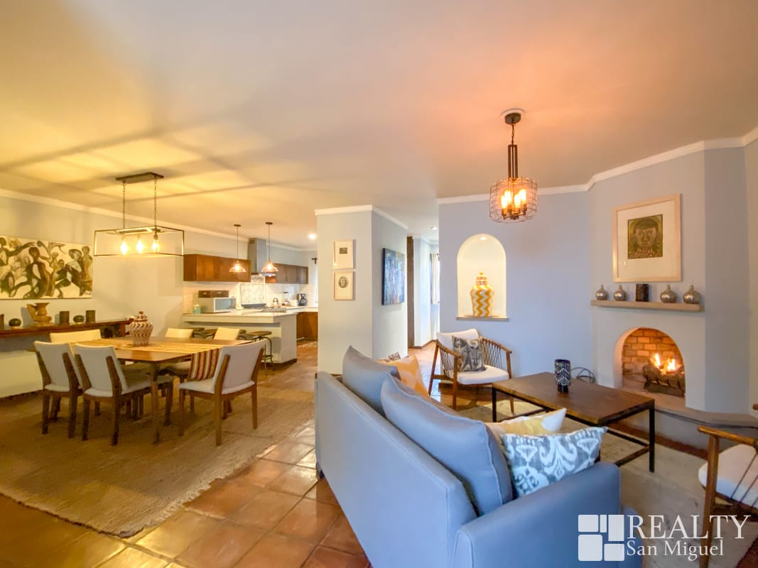 26833 Stunningly Upgraded Casa  - Home