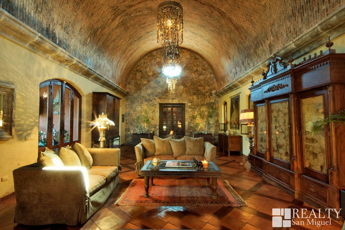 San miguel de allende homes for sale for Decoracion de casas antiguas