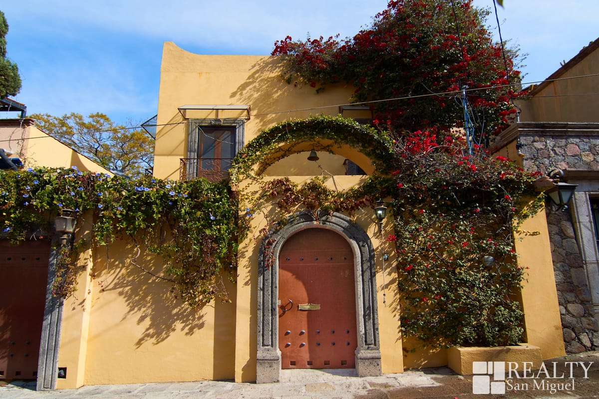 San Miguel Style Great Location Available From May 2020