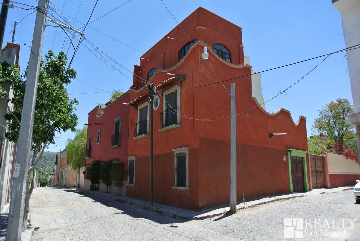 26838 Casa  - Home