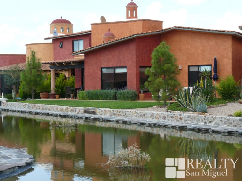 San miguel de allende homes for sale for Houses for sale with suites
